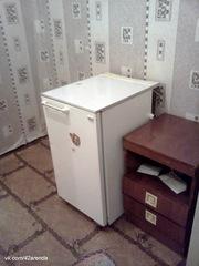 8т.р.за все.Сдам кгт 18м на пр.Октябрьском, 87.Диван, холодильник.